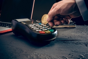 What Features Are Present In The Best Crypto Debit Cards?